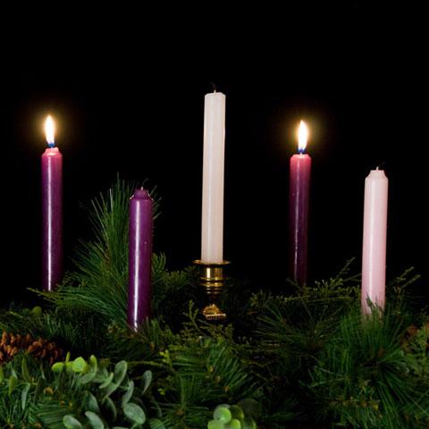 Advent-Wreath-2-candles-lit.jpg
