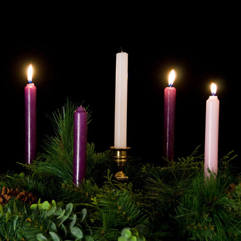 advent-wreath-3-candles-lit-1
