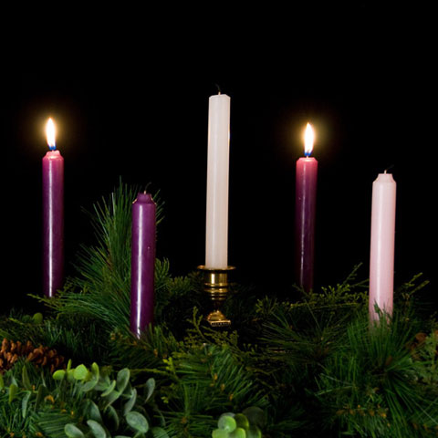 Advent-Wreath-2-candles-lit